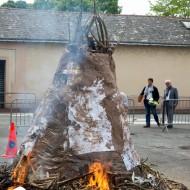 15-un petit feu pour assécher la glaise